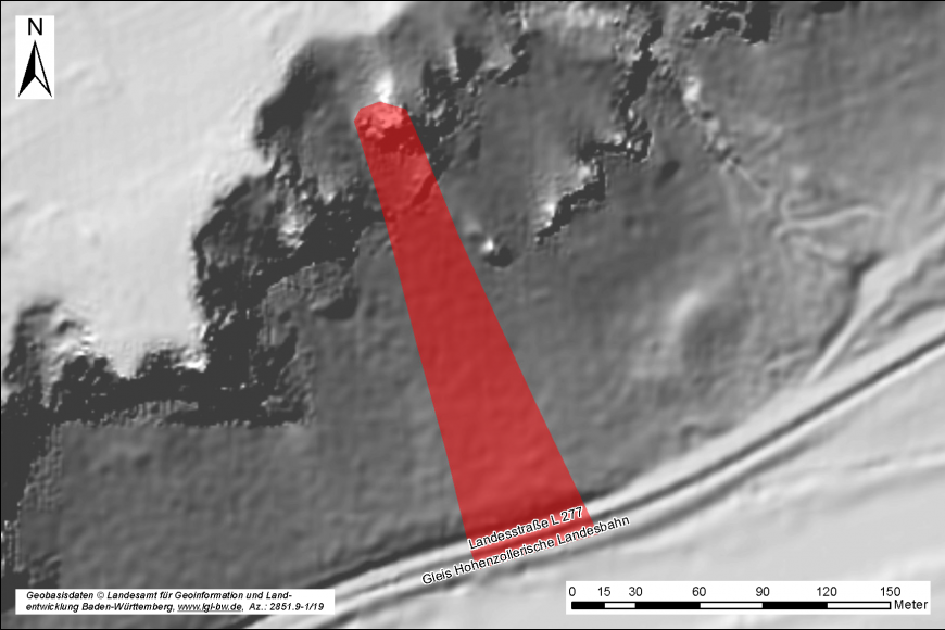 Übersichtsgrafik eines Felssturzereignisses. In der Bildmitte ist der Prozessraum rot eingefärbt, rechts unten befindet sich ein Maßstab und links unten Beschriftung. Oben links in der Ecke ist ein Nordpfeil.