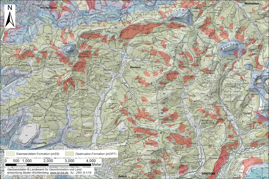 Zu sehen ist ein Kartenausschnitt, in den Rutschungen als rote Flächen eingezeichnet sind.