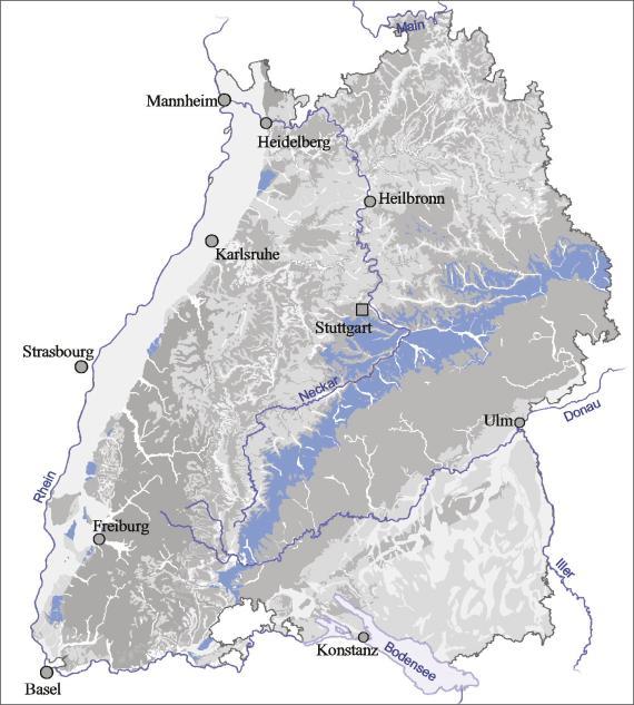 Blick auf eine Übersichtskarte von Baden-Württemberg. Farbig abgesetzt (blau) ist der Ausstrich von Unter- und Mitteljura.