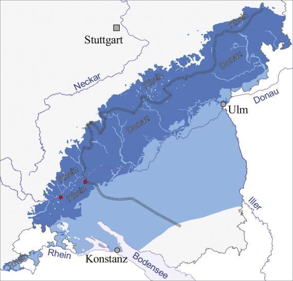 Blick auf den vergrößerten Ausschnitt einer Übersichtskarte, mit dem Gebiet Konstanz bis Ulm. Farbig dargestellt ist der Verlauf der kontinentalen Karstgrundwasserscheide.