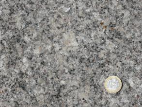 Mittel- bis grobkörniger, porphyrischer Forbach-Granit.
