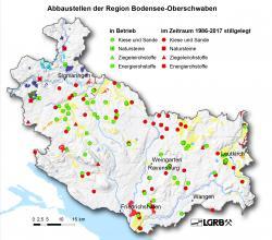 Gezeigt wird hier eine Reliefkarte der Region Bodensee-Oberschwaben mit farbig markierten Abbaustellen von Steine- und Erdenvorkommen, die in Betrieb befindlich oder seit 1986 stillgelegt sind.