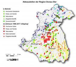 Gezeigt wird hier eine Reliefkarte der Region Donau-Iller mit farbig markierten Abbaustellen von Steine- und Erdenvorkommen, die in Betrieb befindlich oder seit 1986 stillgelegt sind.