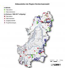 Gezeigt wird hier eine Reliefkarte der Region Nordschwarzwald mit farbig markierten Abbaustellen von Steine- und Erdenvorkommen, die in Betrieb befindlich oder seit 1986 stillgelegt sind.