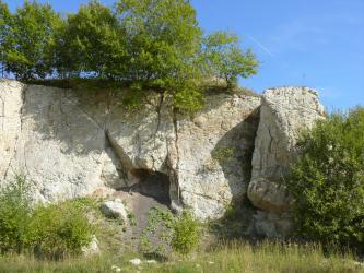 Suevit überlagert hier die Bunte Brekzie.